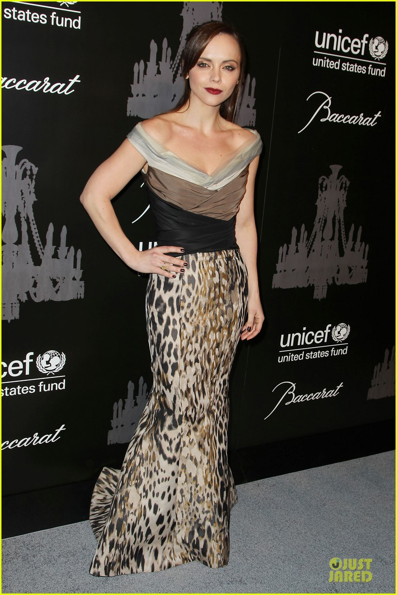 katy perry christina ricci unicef snowflake ball 2013 11
