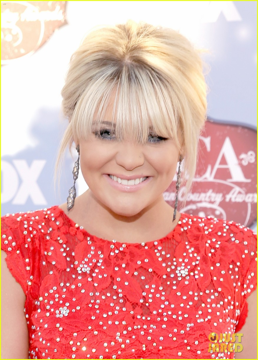 kellie pickler lauren alaina acas 2013 red carpet 17