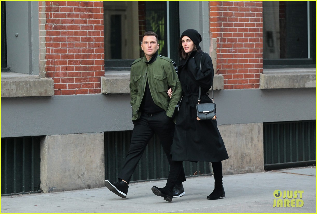 hilary rhoda sean avery soho stroll before christmas 05
