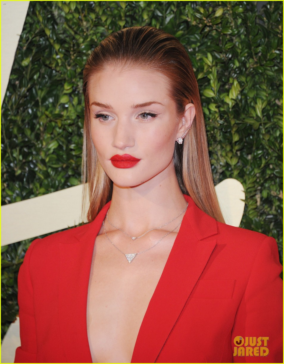 rosie huntington whiteley british fashion awards 2013 08