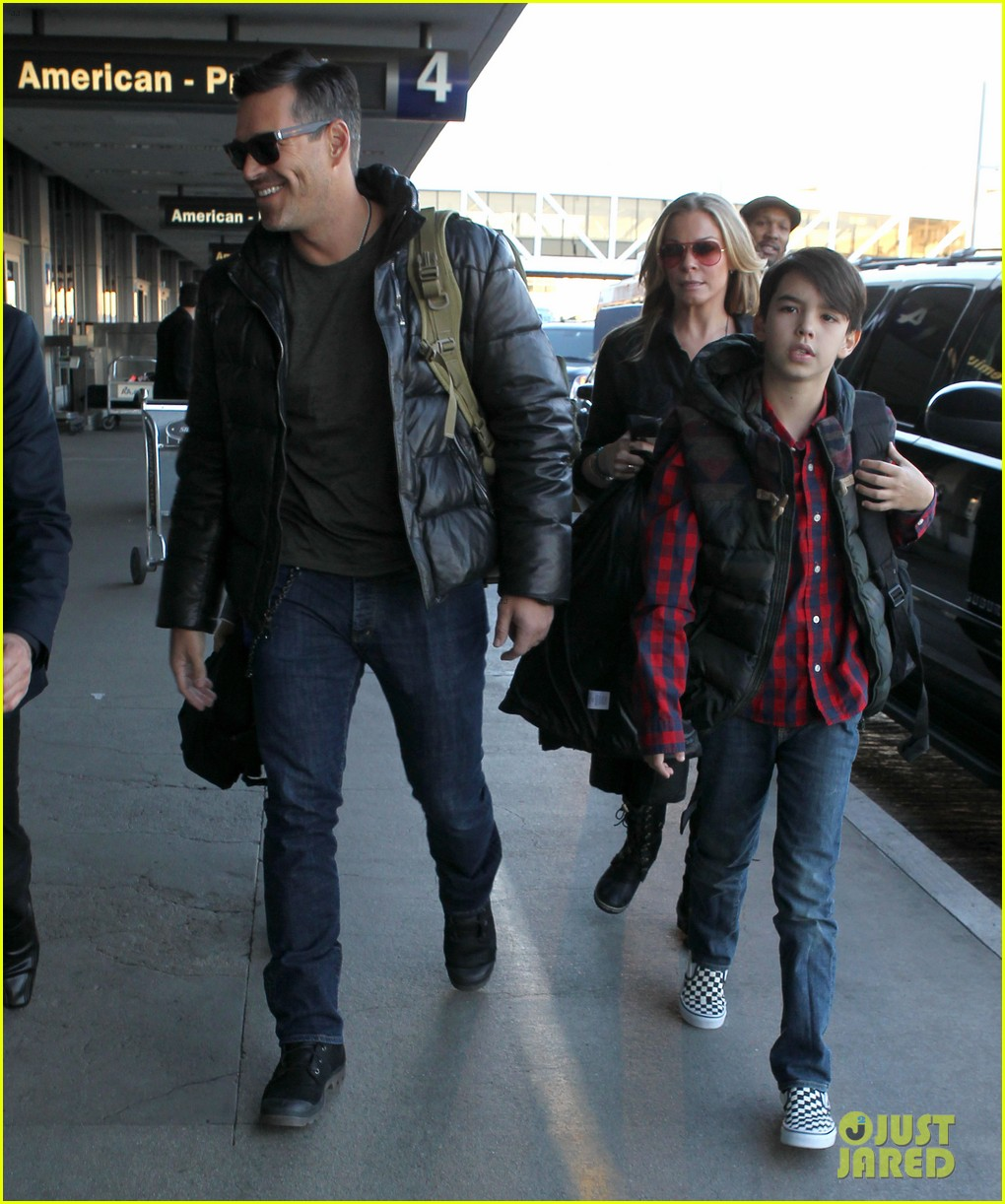 leann rimes eddie cibrian take off for snowboarding vacation 03