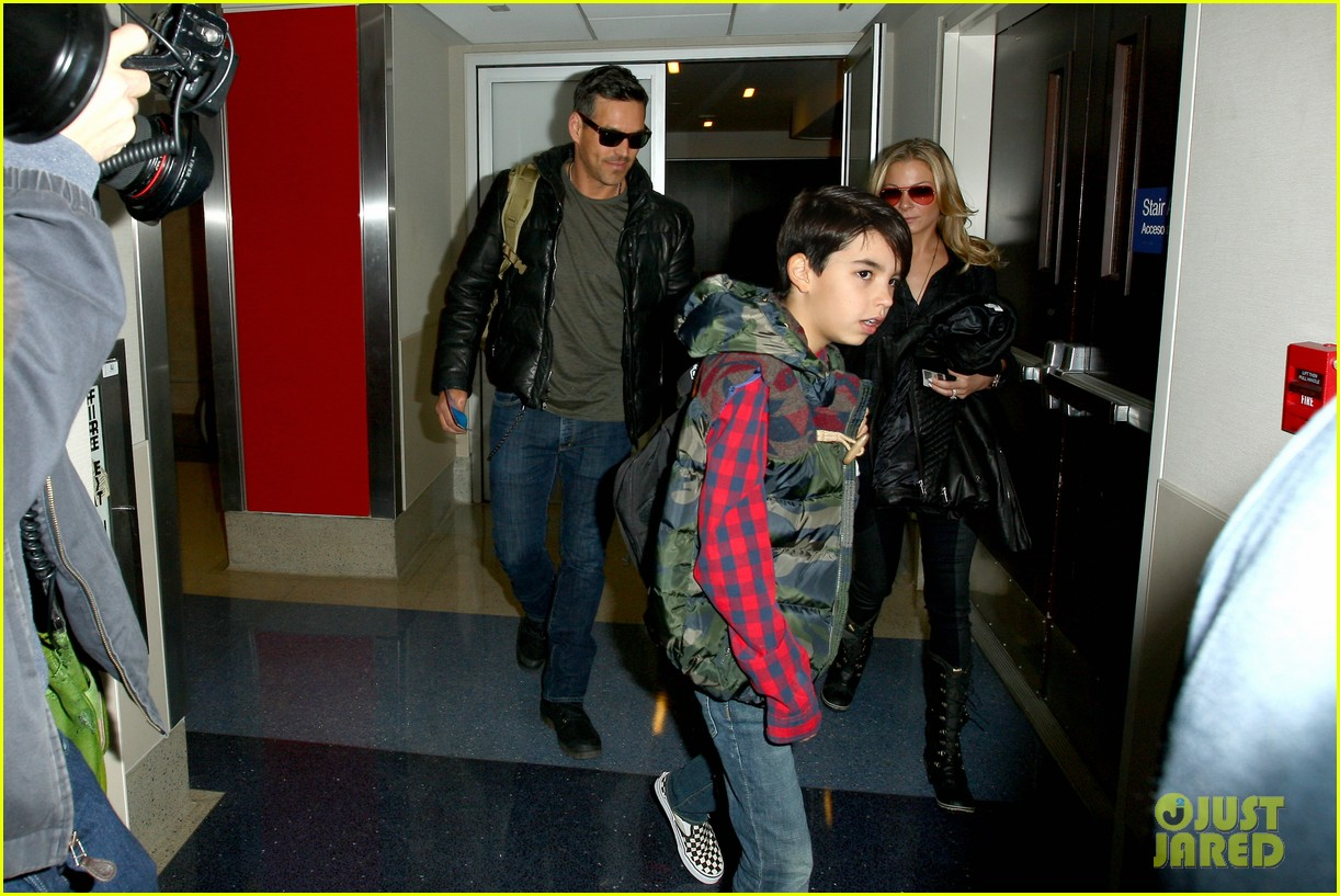 leann rimes eddie cibrian take off for snowboarding vacation 09