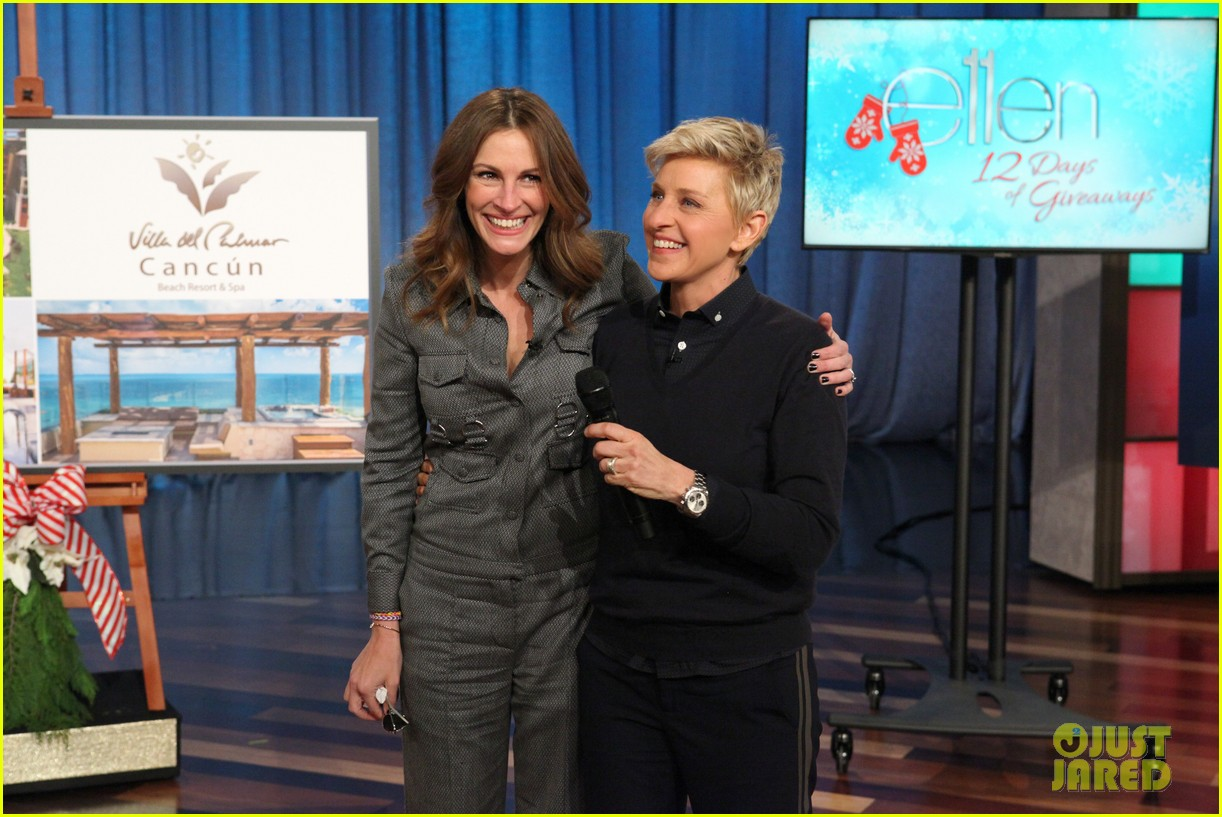julia roberts co hosts ellen makes crafts with martha stewart 08
