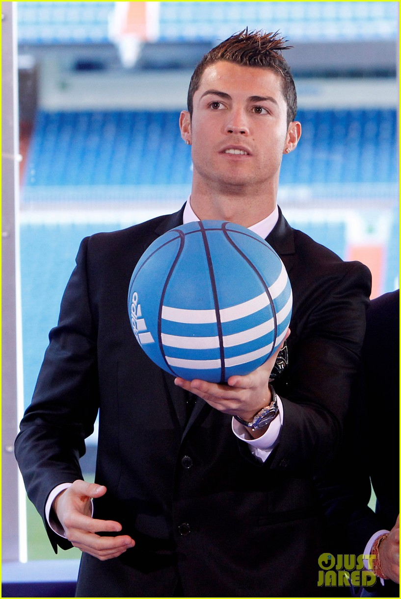 cristiano ronaldo one toy one hope charity event 113013581
