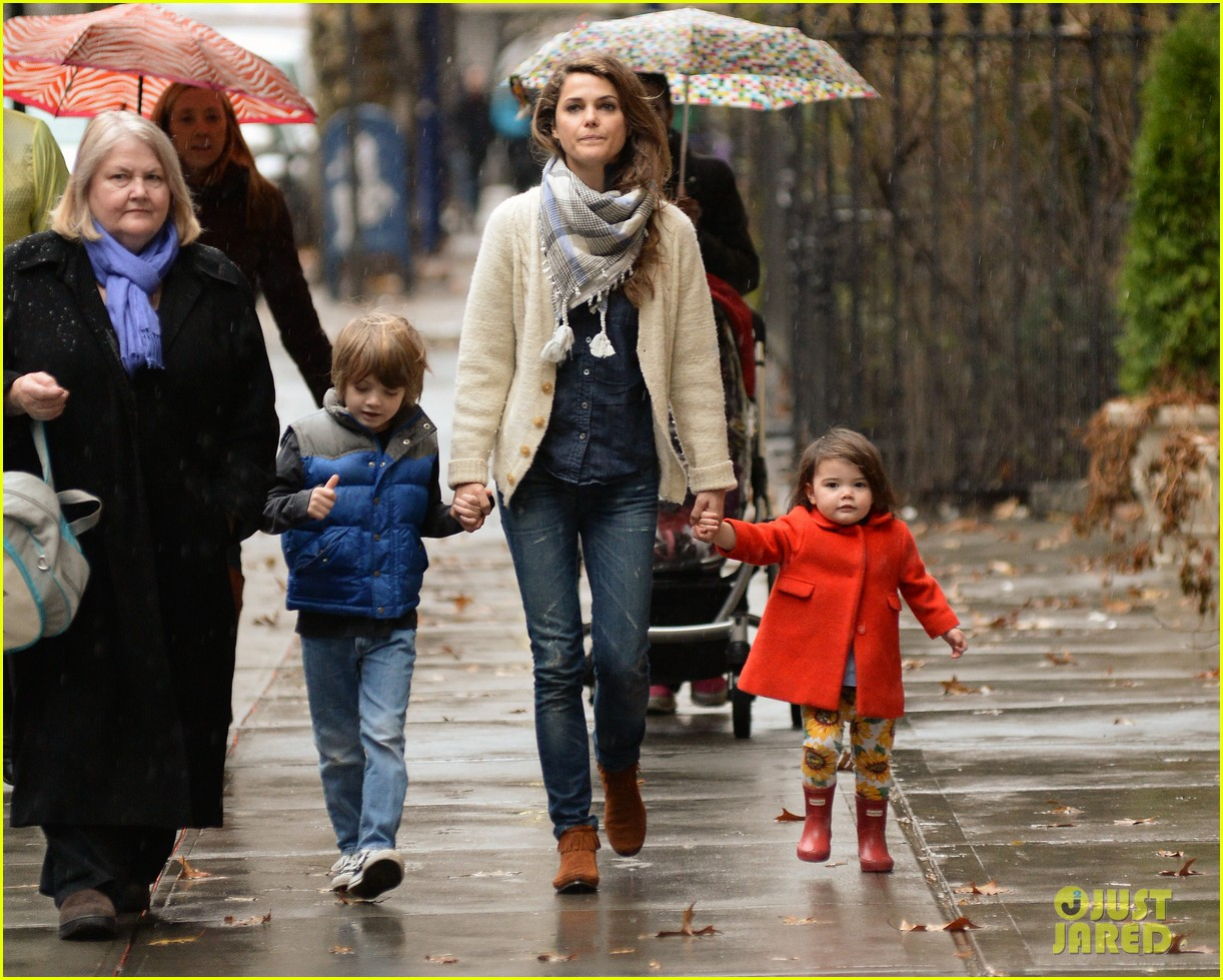 keri russell steps out with kids after shane deary split news 01