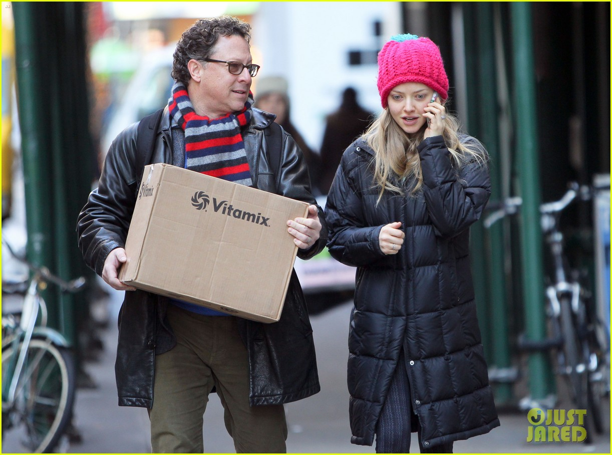 amanda seyfried monday morning dog walk with finn 143012985