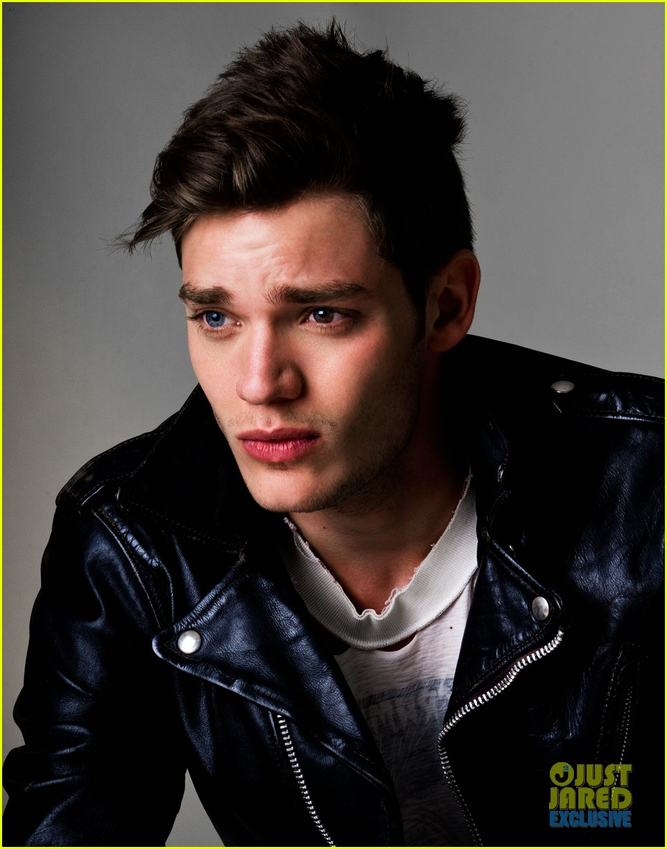 dominic sherwood jj spotlight of the week exclusive 073005634