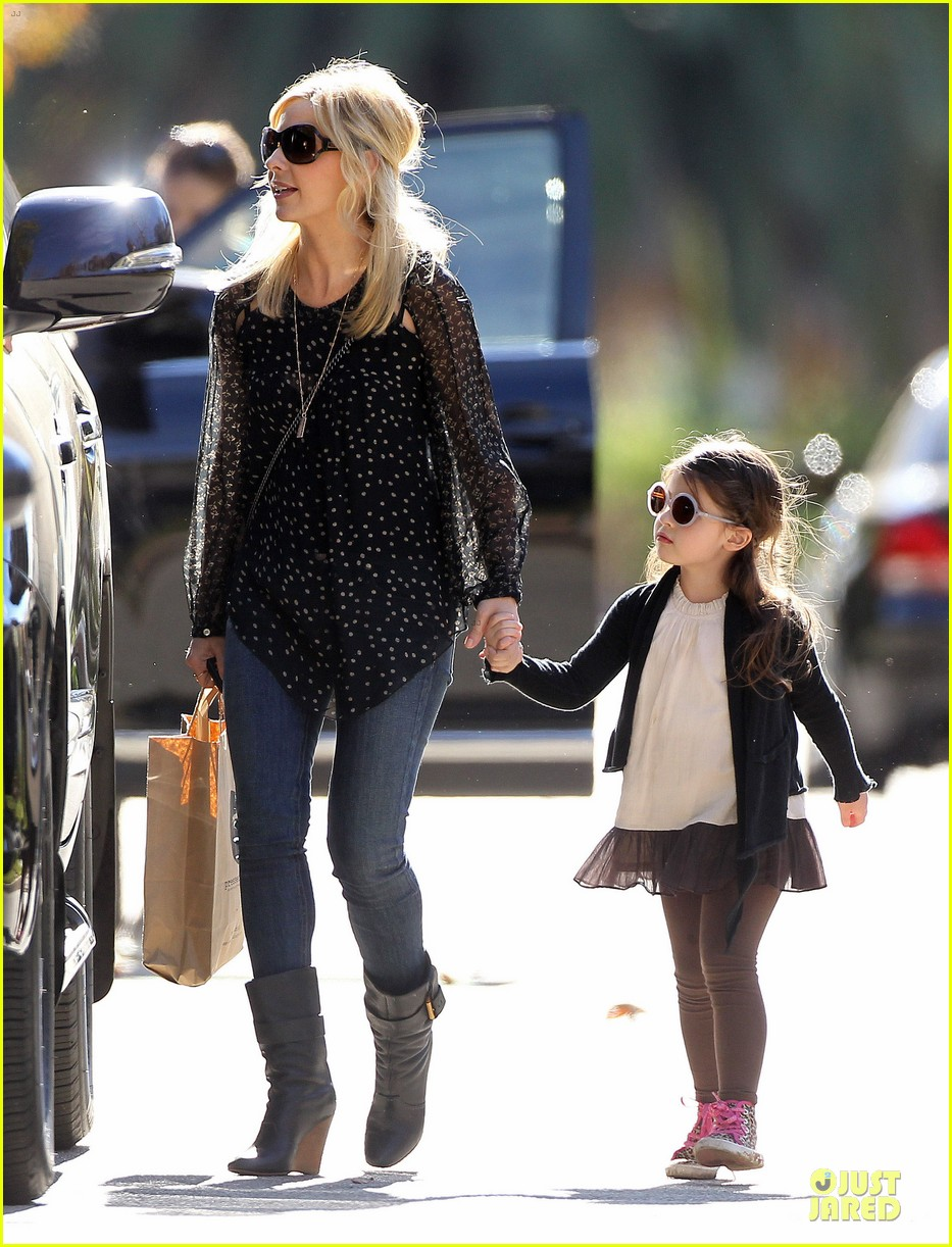 sarah michelle gellar mommy me class with charlotte 13