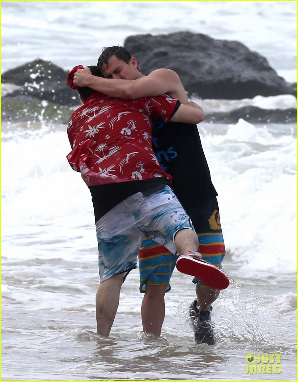channing tatum gives jonah hill big hug for 22 jump street 253010627