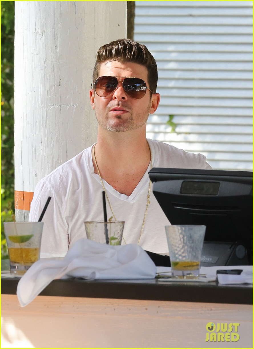 robin thicke supports the hrc love conquers hate campaign 14