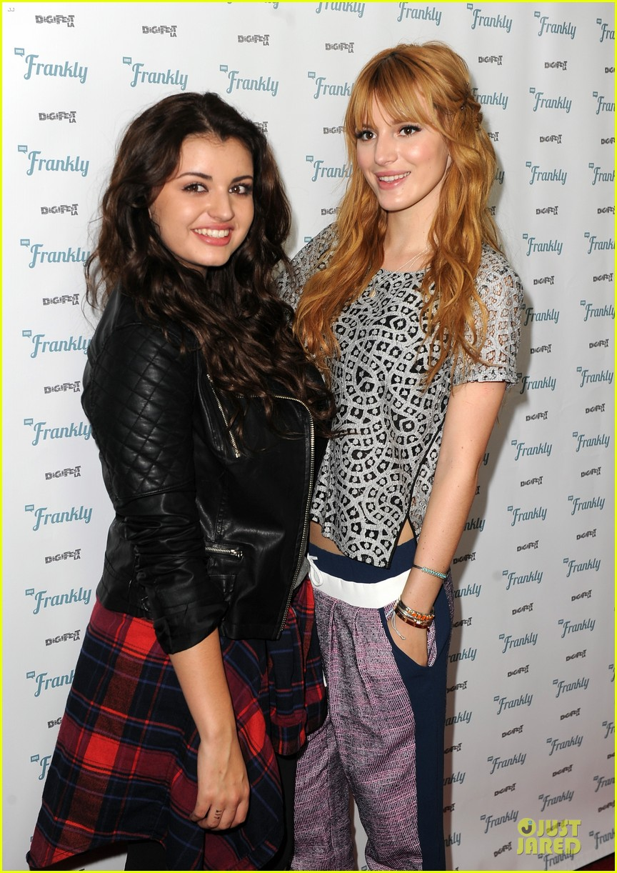 bella thorne digifest la with noah cyrus 02