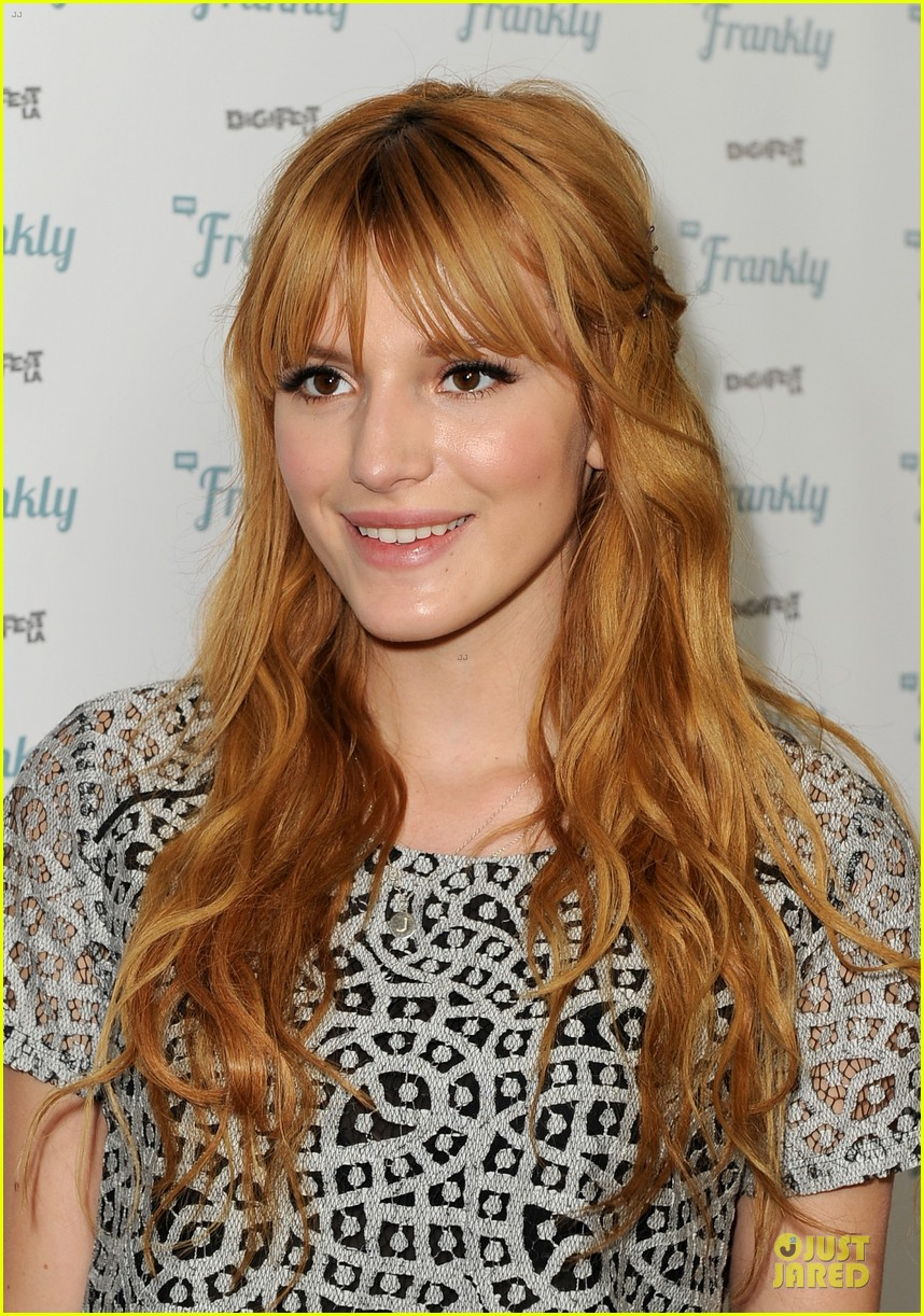 bella thorne digifest la with noah cyrus 09