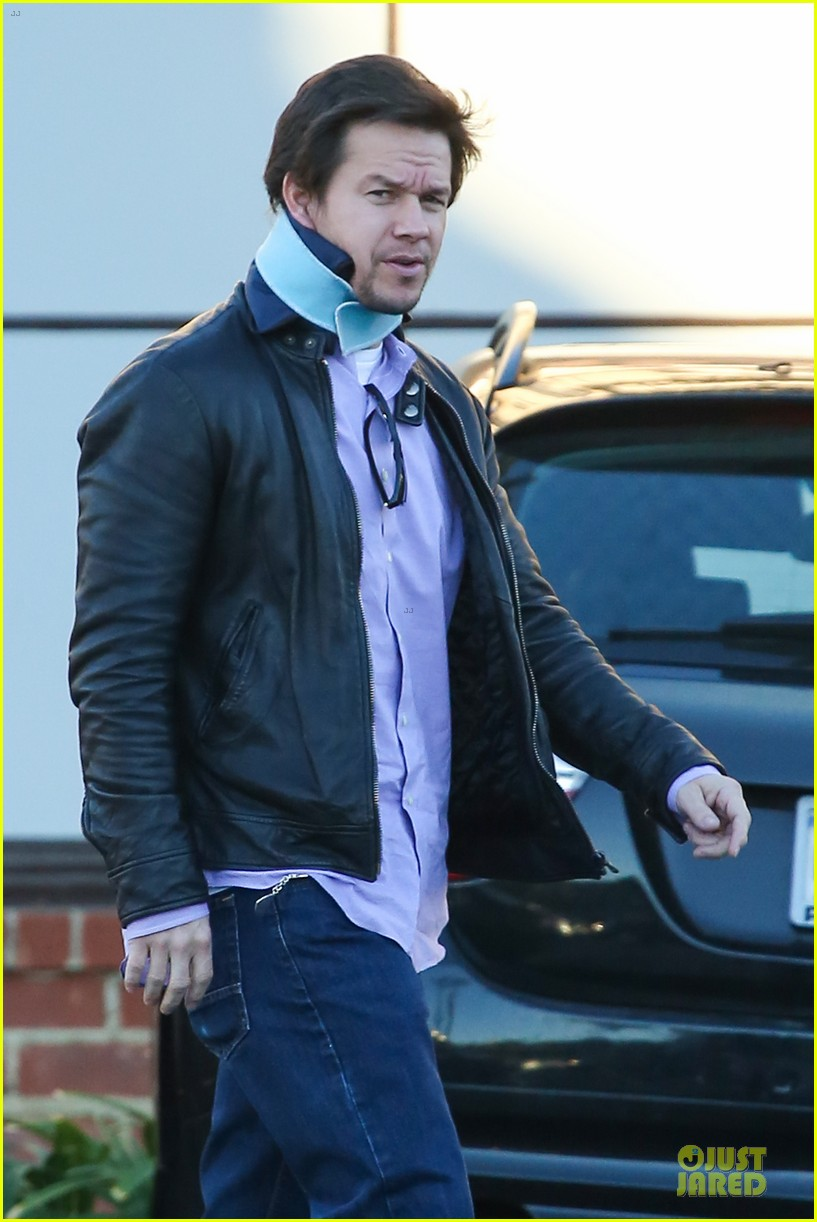 mark wahlberg wears neck brace for mall shopping trip 04