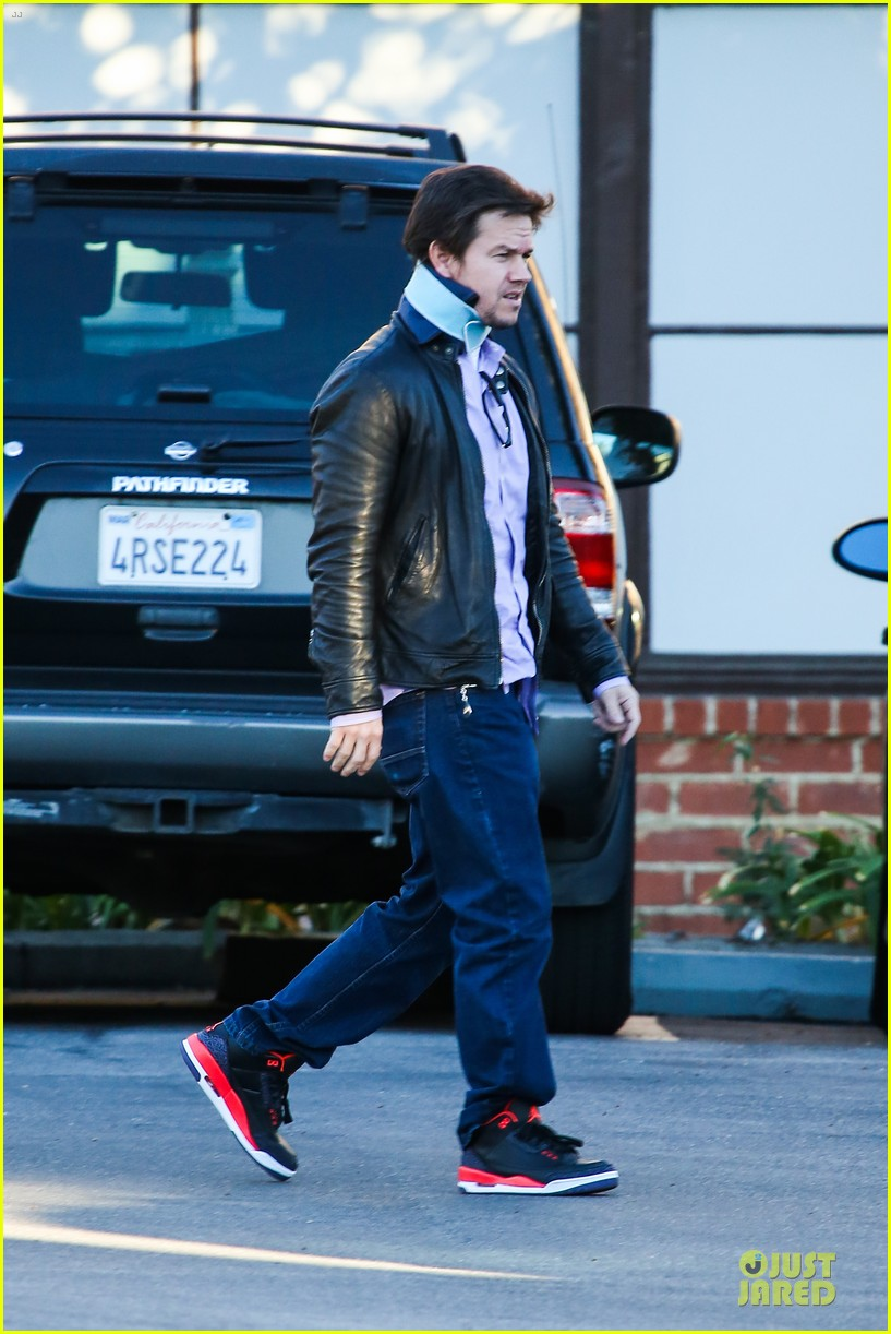 mark wahlberg wears neck brace for mall shopping trip 053010396