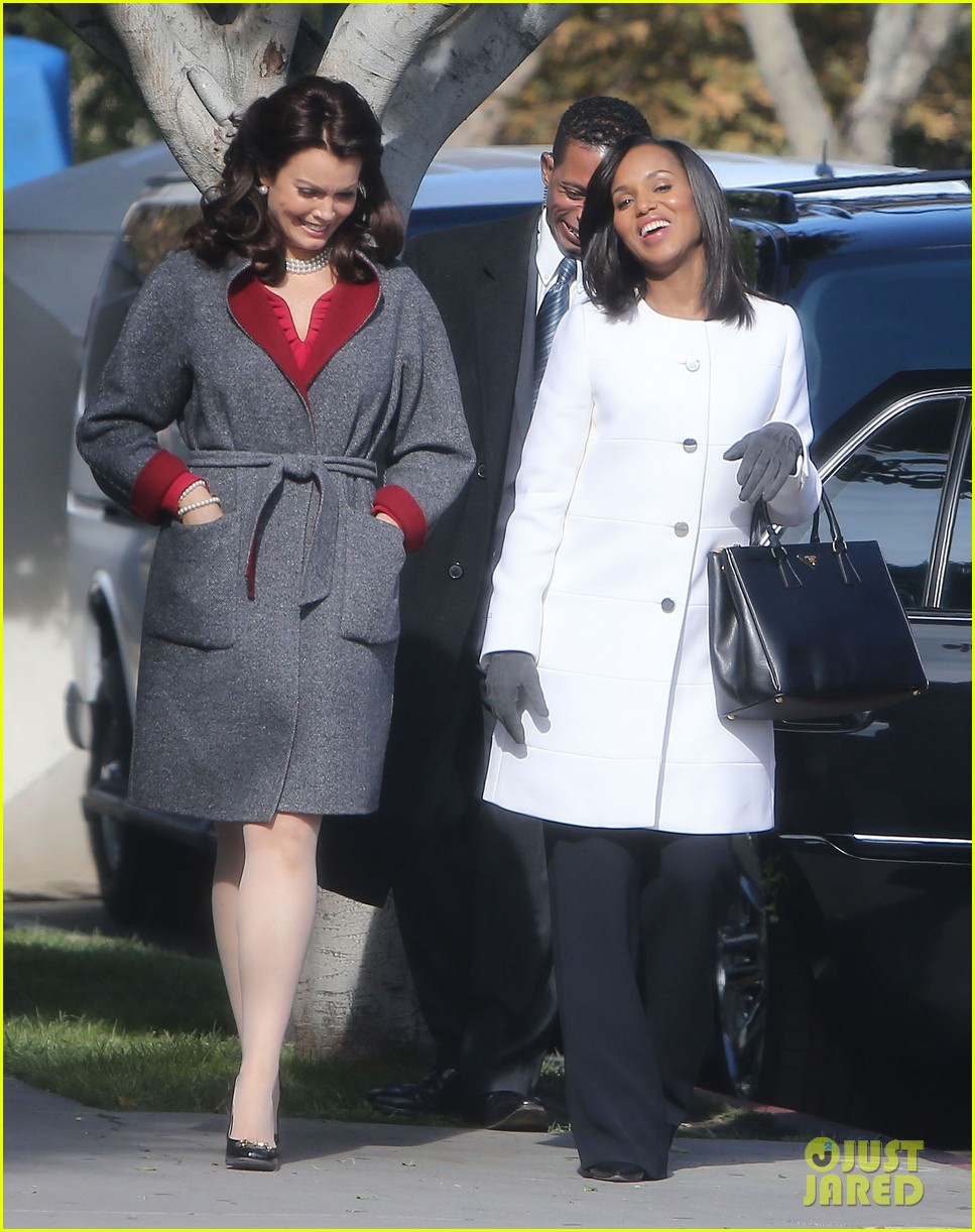 kerry washington bellamy young side by side for scandal filming 033008953
