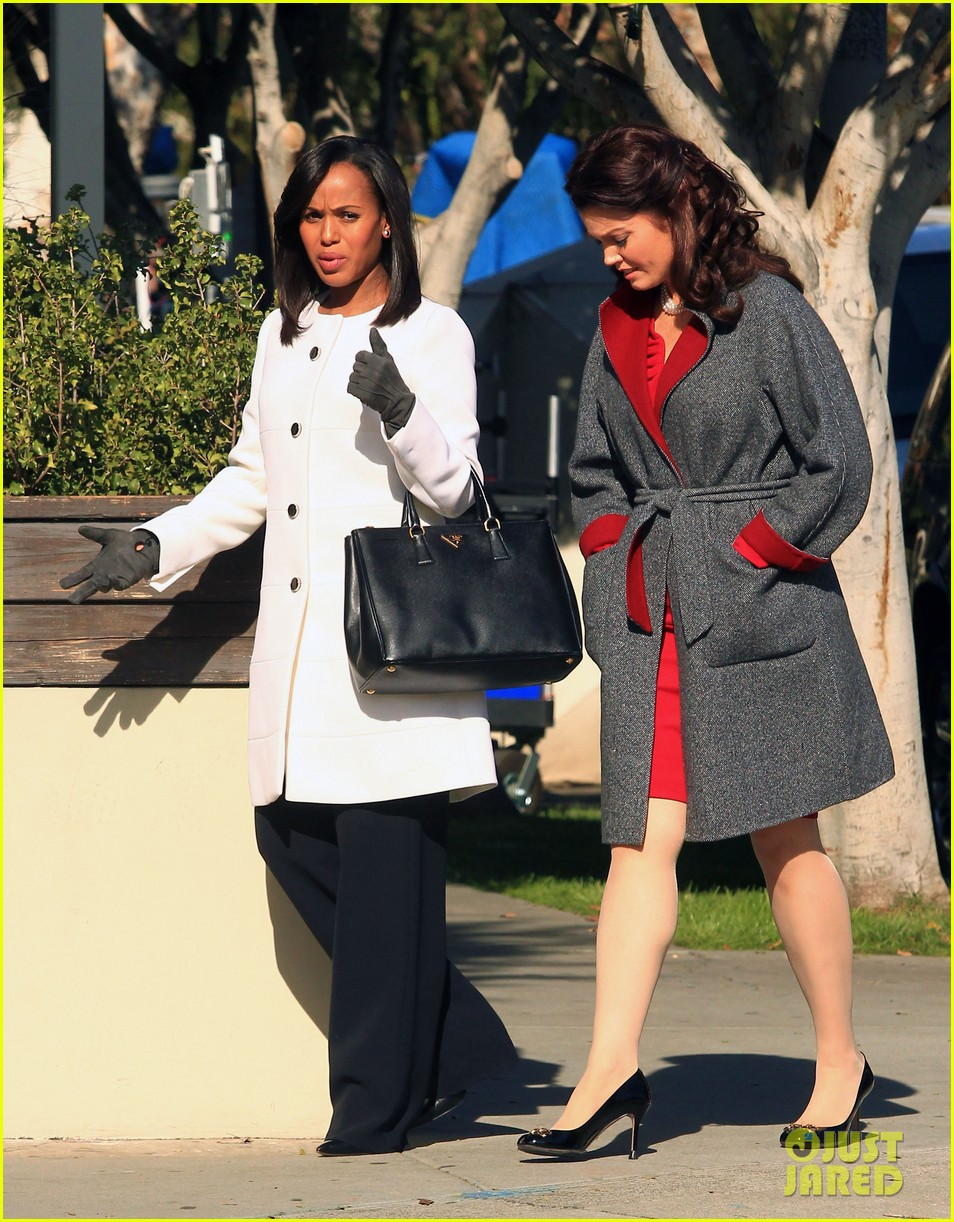 kerry washington bellamy young side by side for scandal filming 123008962