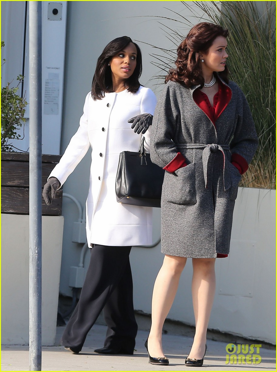 kerry washington bellamy young side by side for scandal filming 283008978