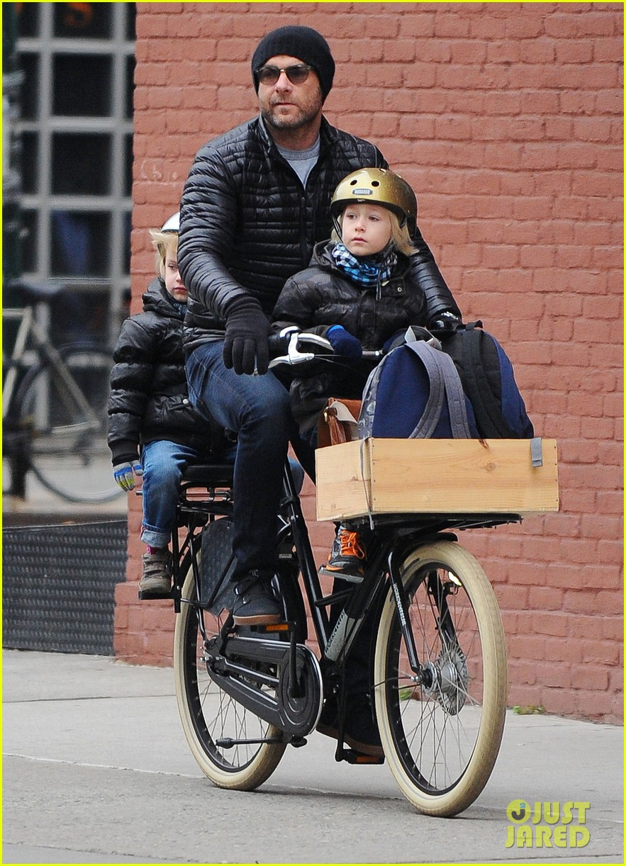 naomi watts takes subway while her boys bike to school 10