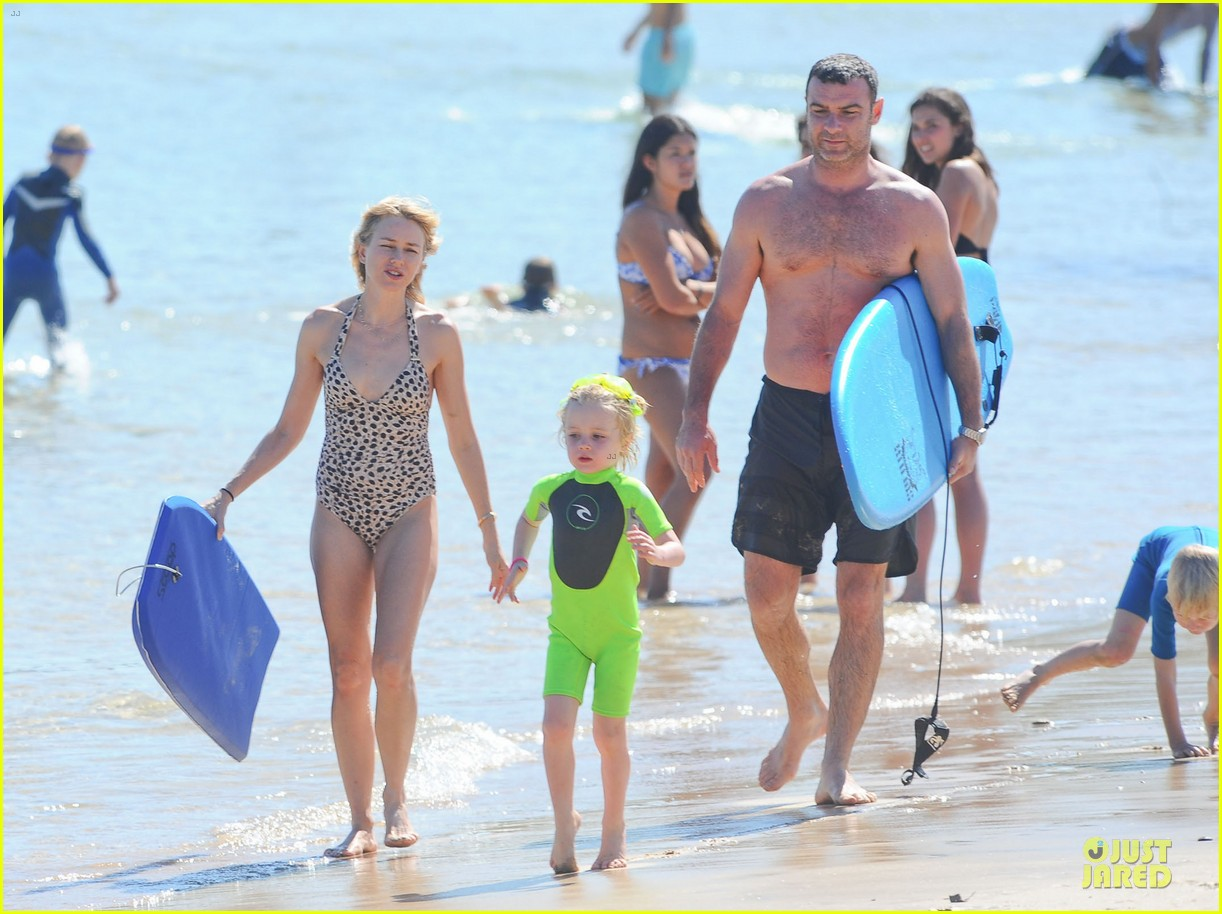 naomi watts wet wild with shirtless liev schreiber 06