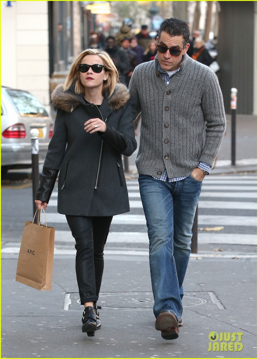 reese witherspoon jim toth go shopping in paris 13