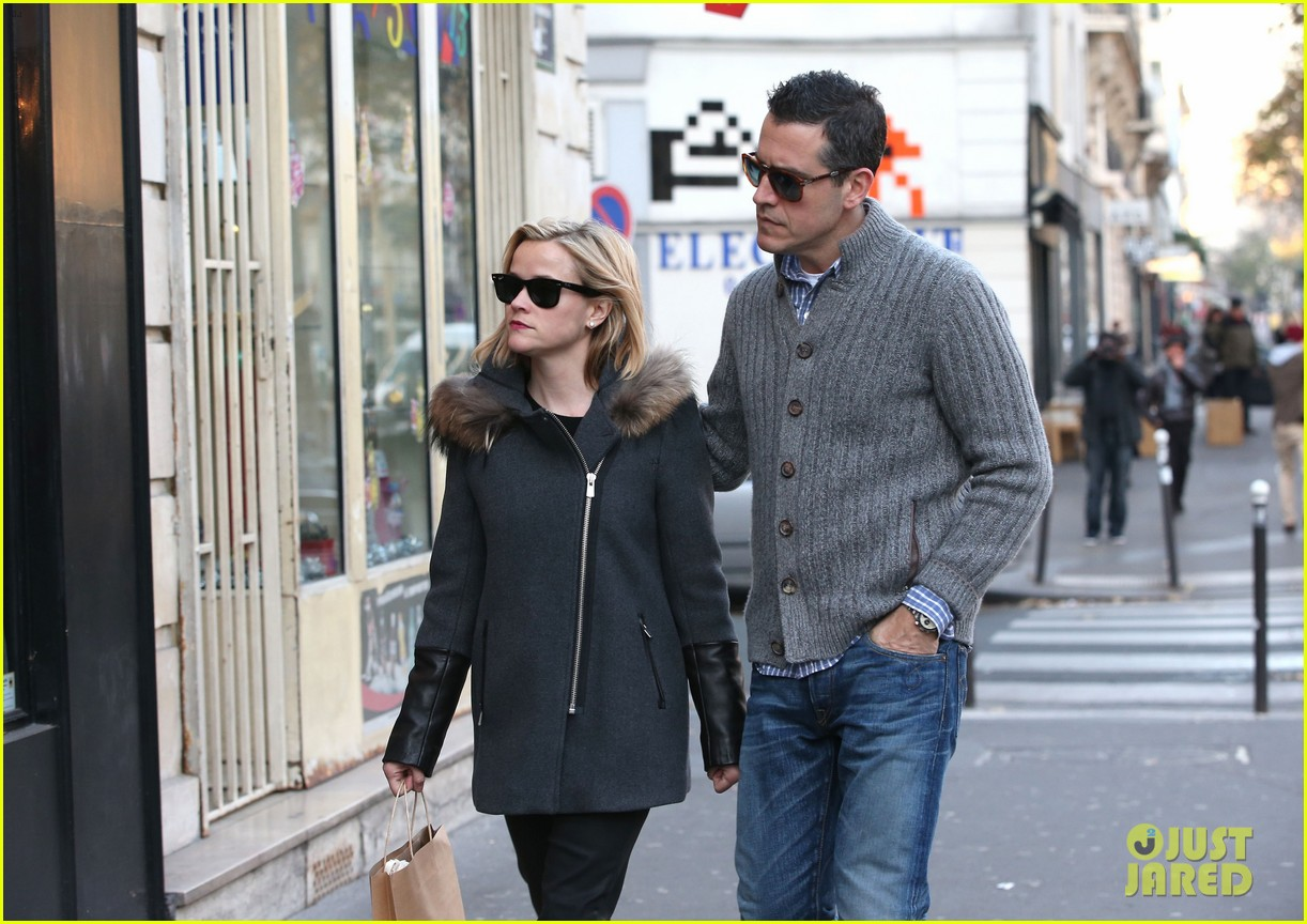 reese witherspoon jim toth go shopping in paris 17
