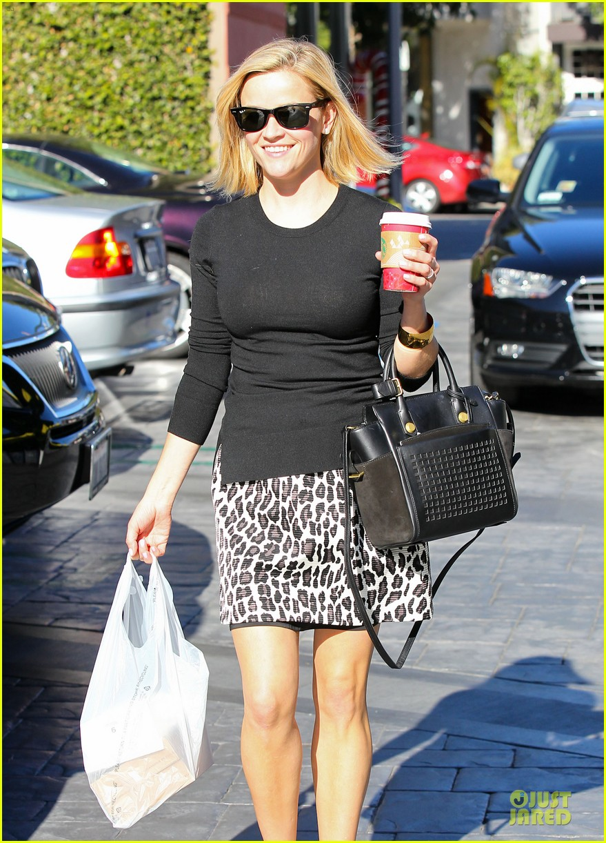 reese witherspoon wild lunch before christmas 023016738