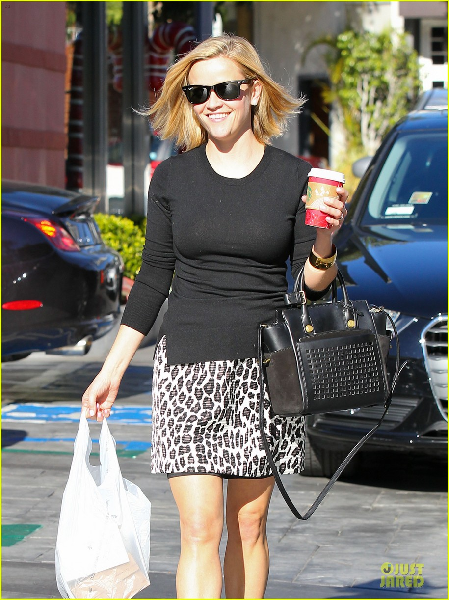 reese witherspoon wild lunch before christmas 13
