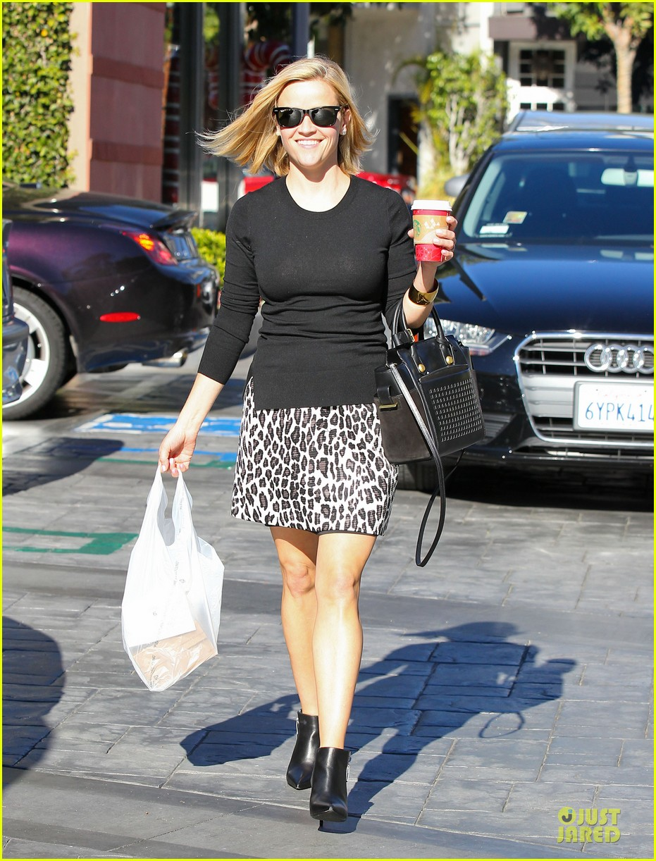 reese witherspoon wild lunch before christmas 15