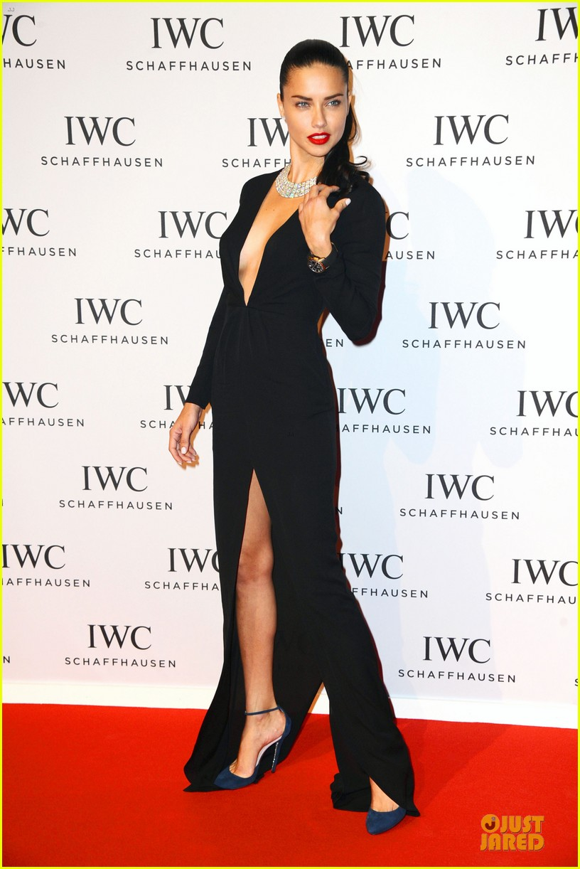 adriana lima karolina kurkova iwc aquatimer watch launch 29