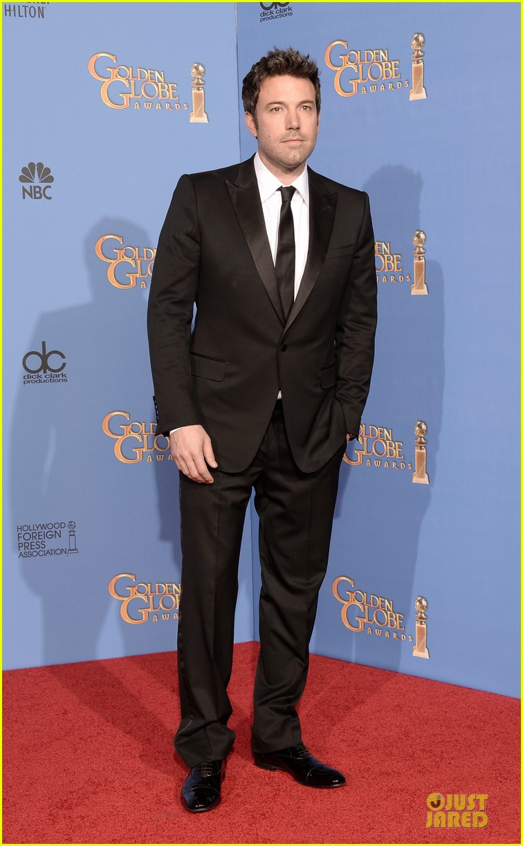 ben affleck golden globes 2014 red carpet 053029647