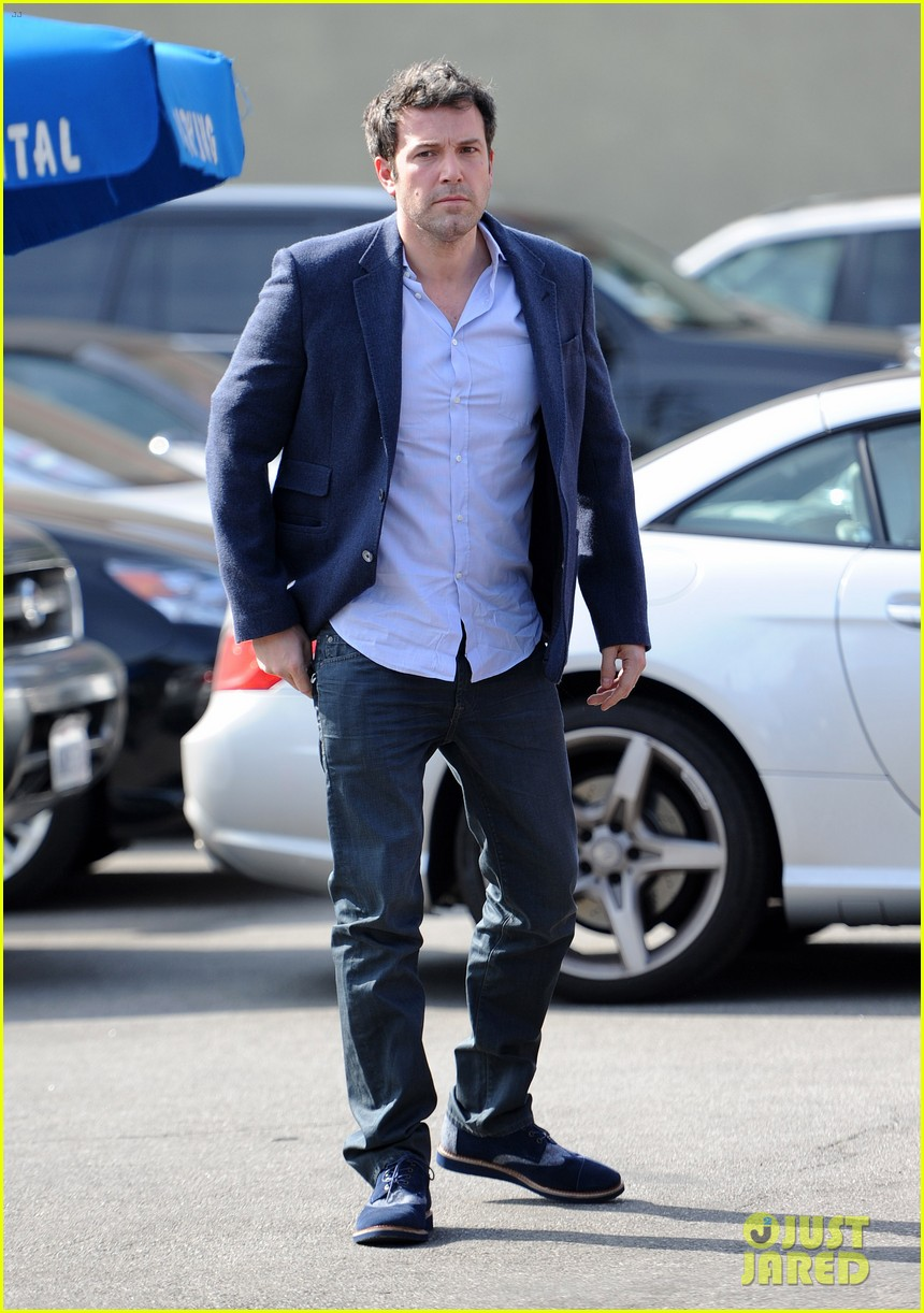 ben affleck steps out after joking about his big dick 123038978
