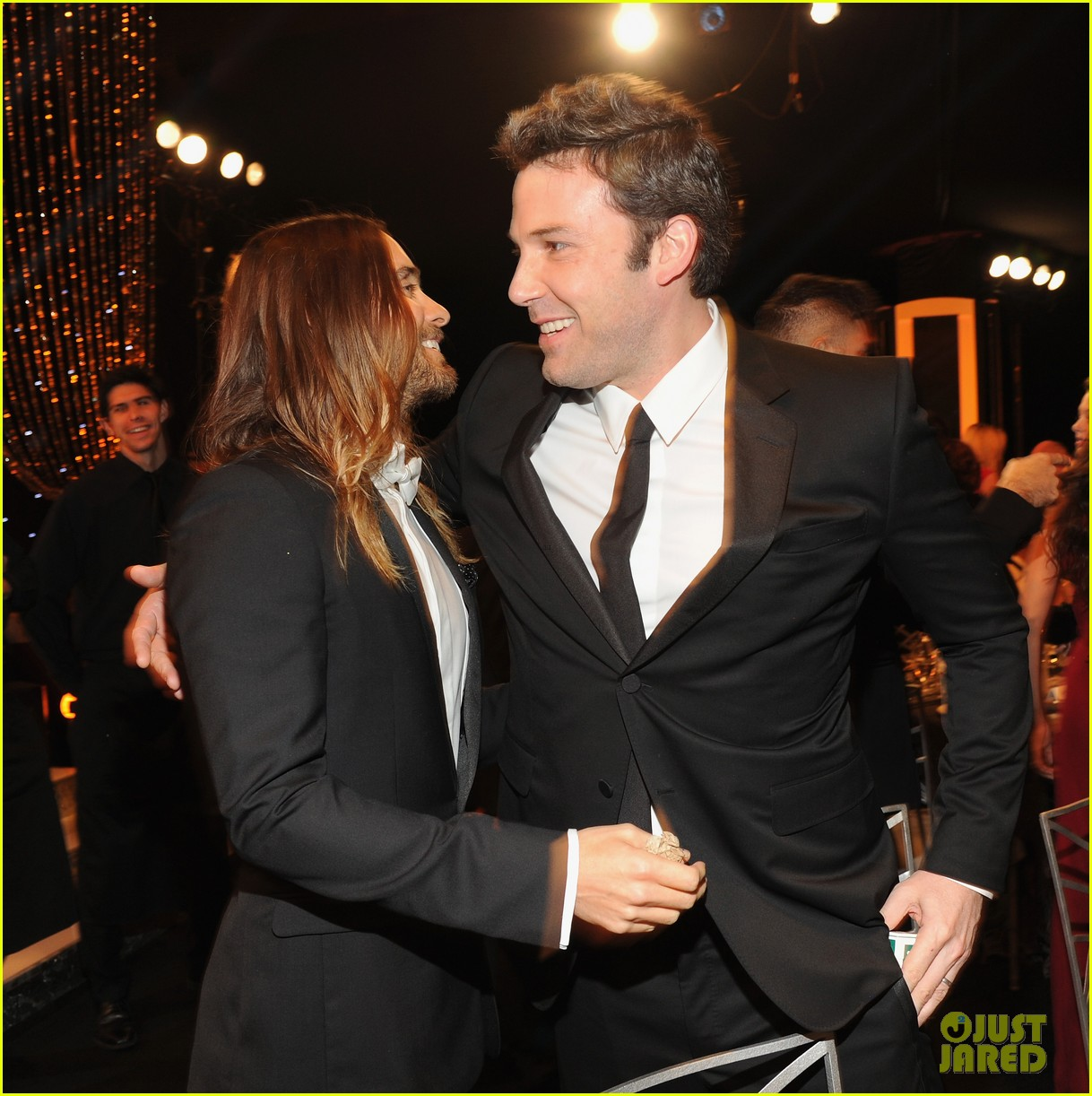 ben affleck presents best cast at sag awards 2014 04