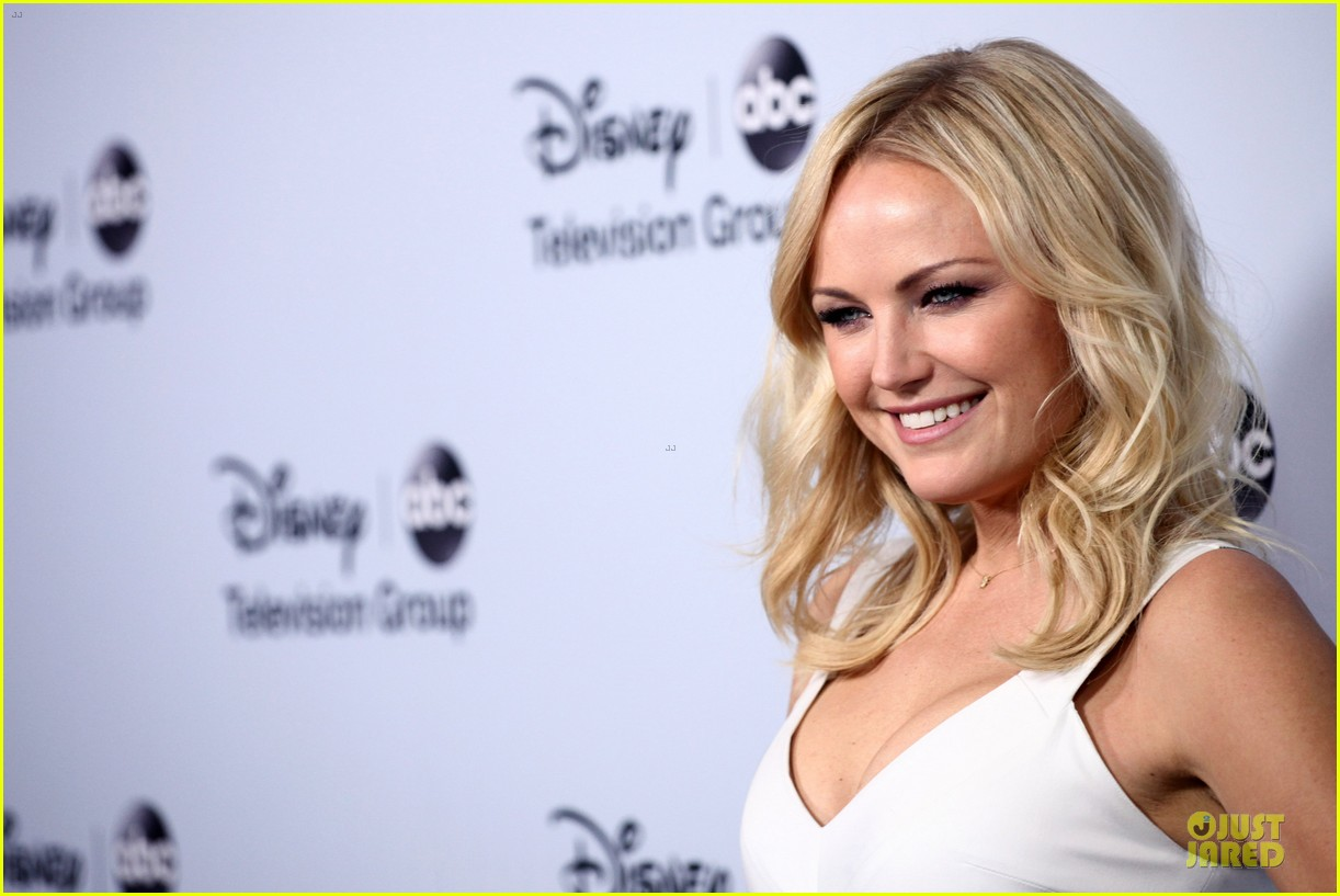 malin akerman conne britton abc winter tca party 073034385