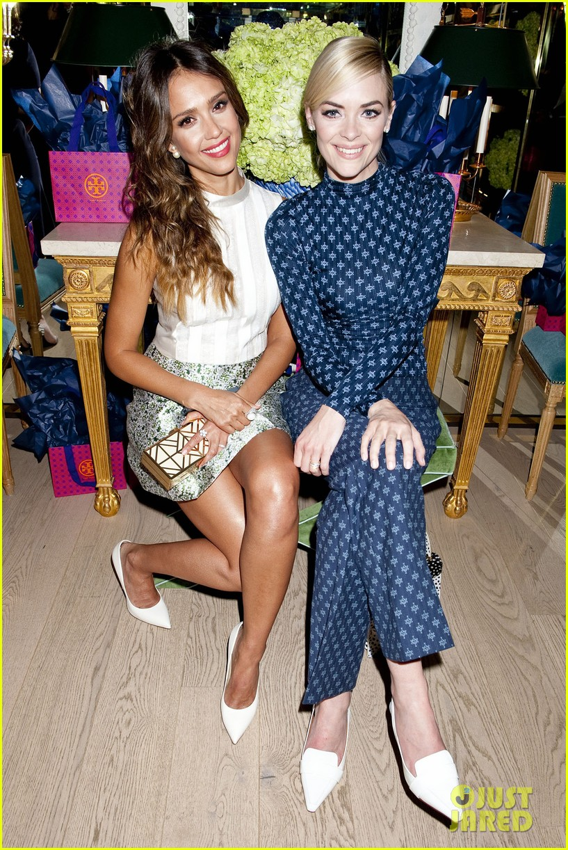 jessica alba jaime king tory burch flagship store opening 01
