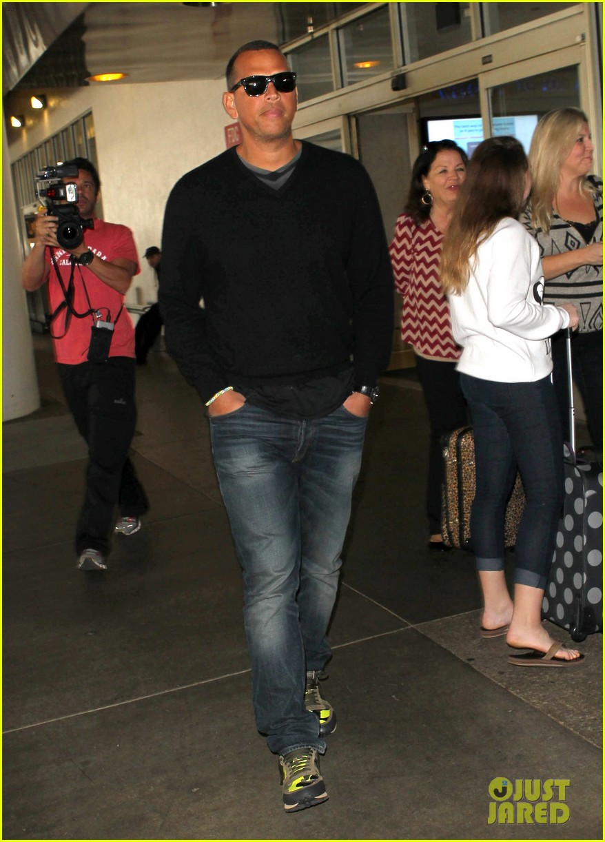 alex rodriguez back in la after attending jay z concert 053023118