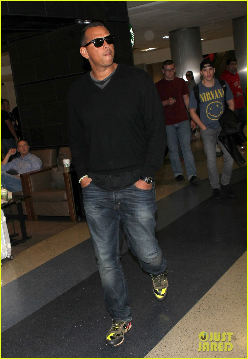 alex rodriguez back in la after attending jay z concert 07