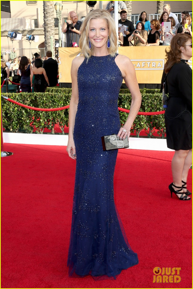 anna gunn sag awards 2014 red carpet 03
