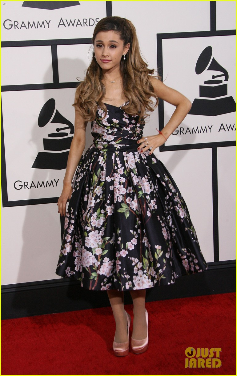 ariana grande grammys 2014 red carpet 04