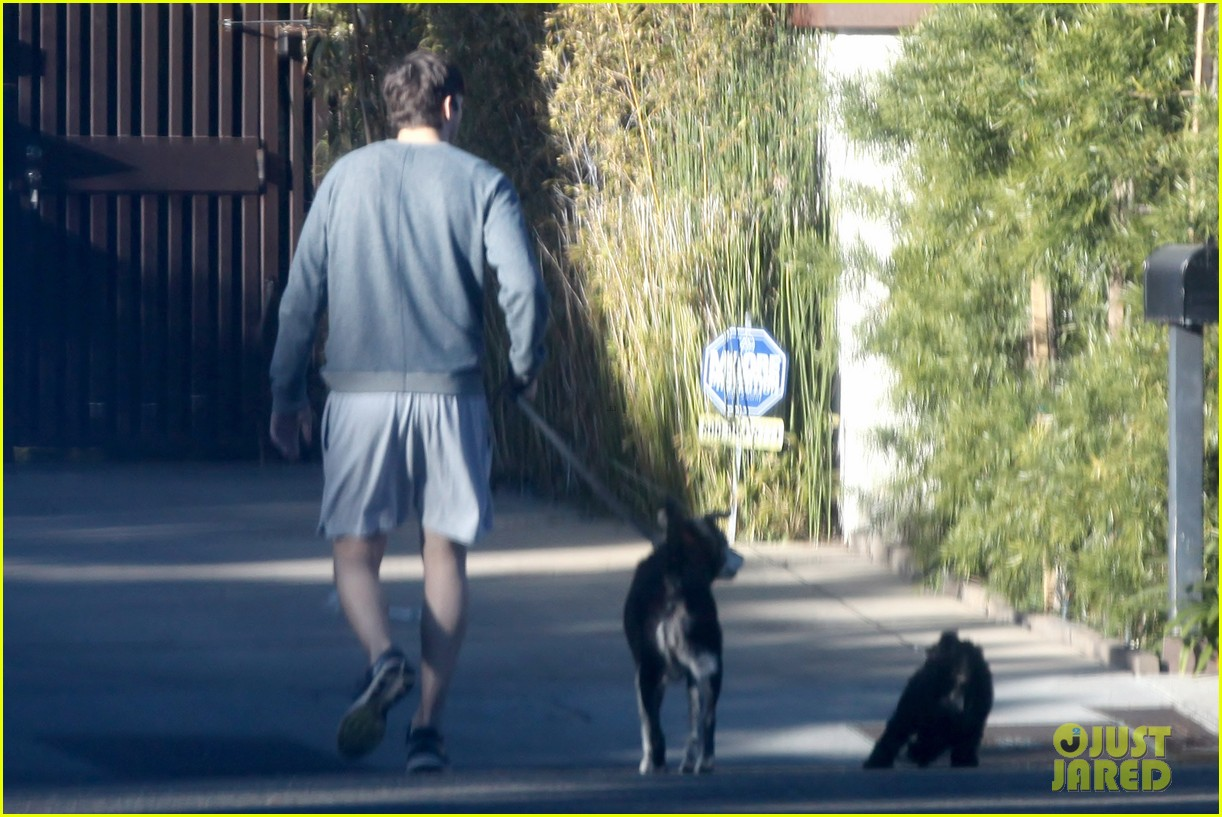 ashton kutcher sunday morning dog duty 05