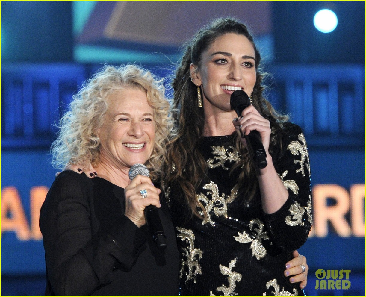 sara bareilles carole king grammys brave beautiful mashup at grammys 2014 video 133041517