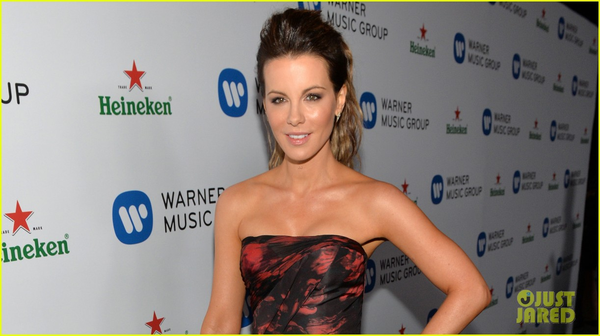kate beckinsale warner music groups grammy party 033041752