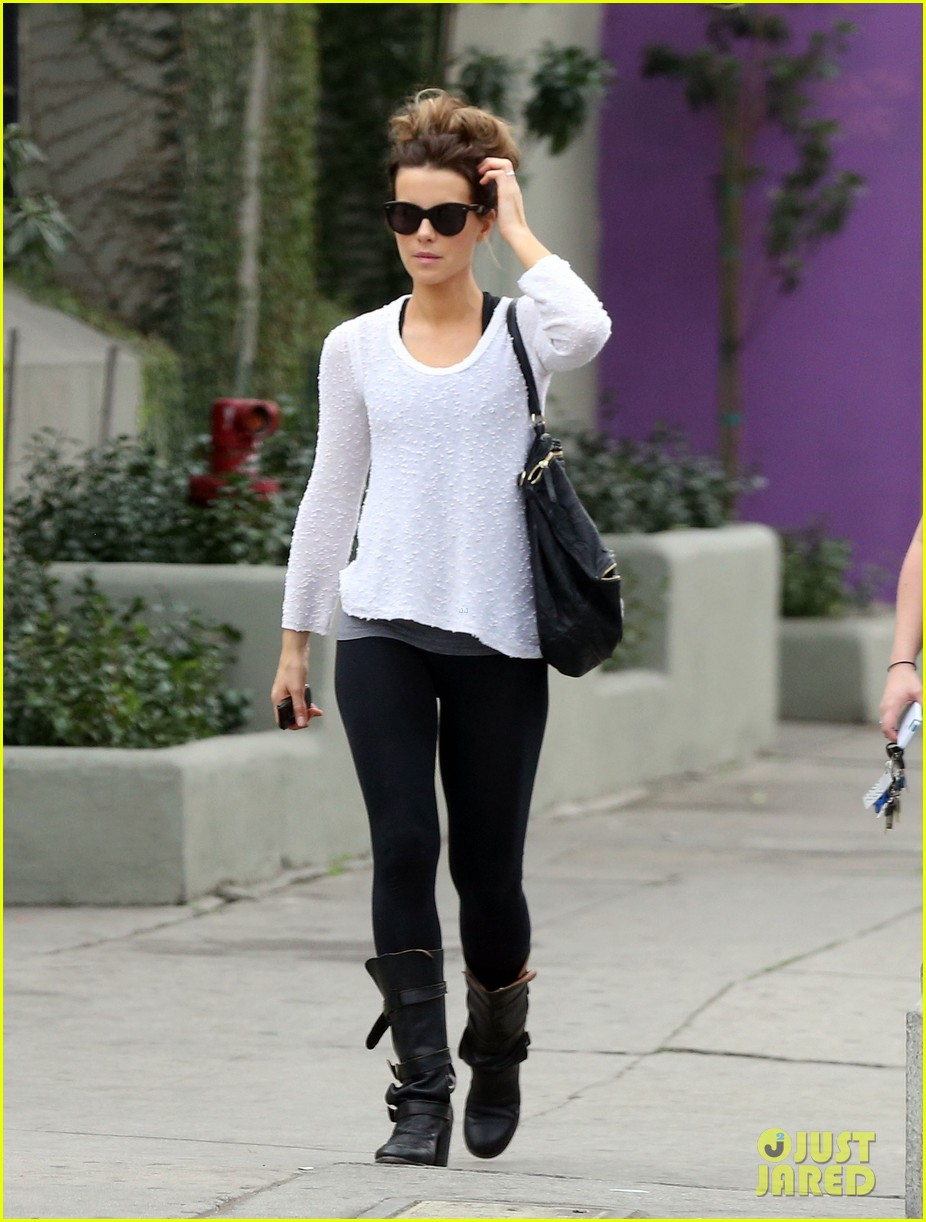 kate beckinsale gets her shop on in weho 083037848