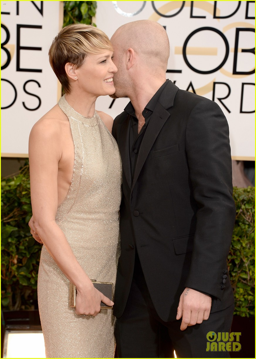 ben foster robin wright golden globes 2014 red carpet 043029199