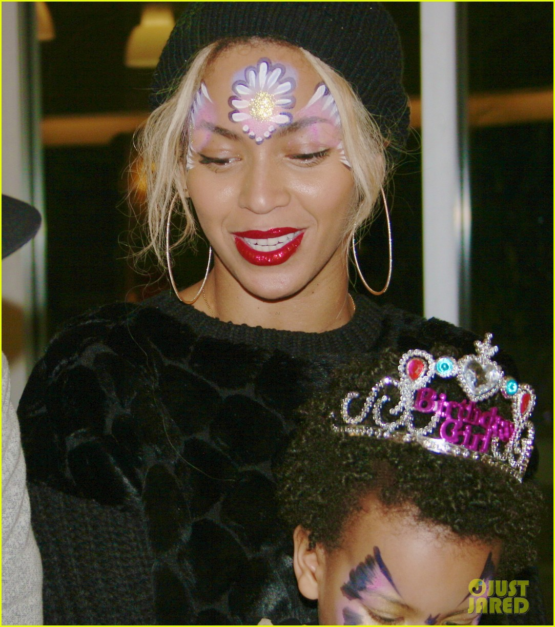 beyonce shares pictures from blue ivy carters birthday party 01