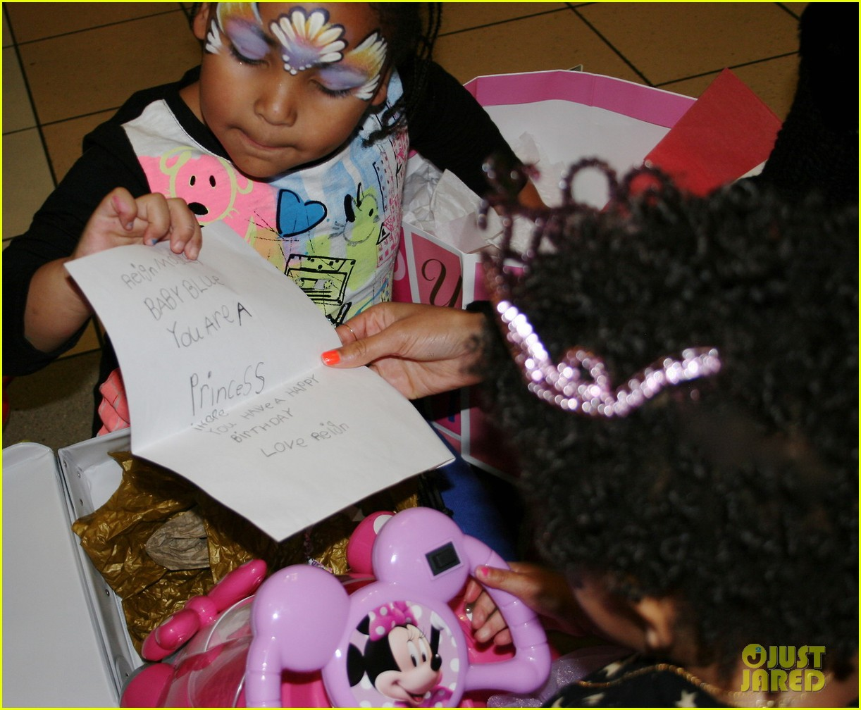 beyonce shares pictures from blue ivy carters birthday party 07