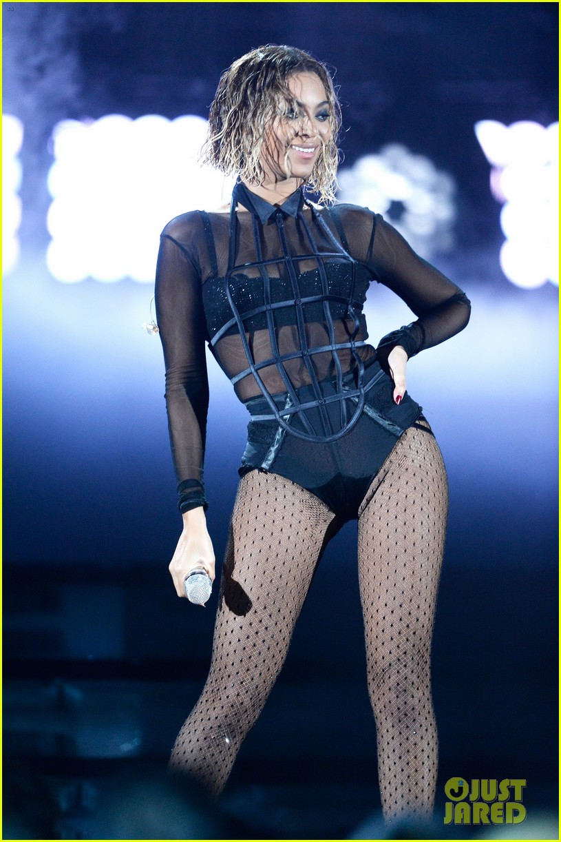 beyonce jay z drunk in love at grammys 2014 watch now 02