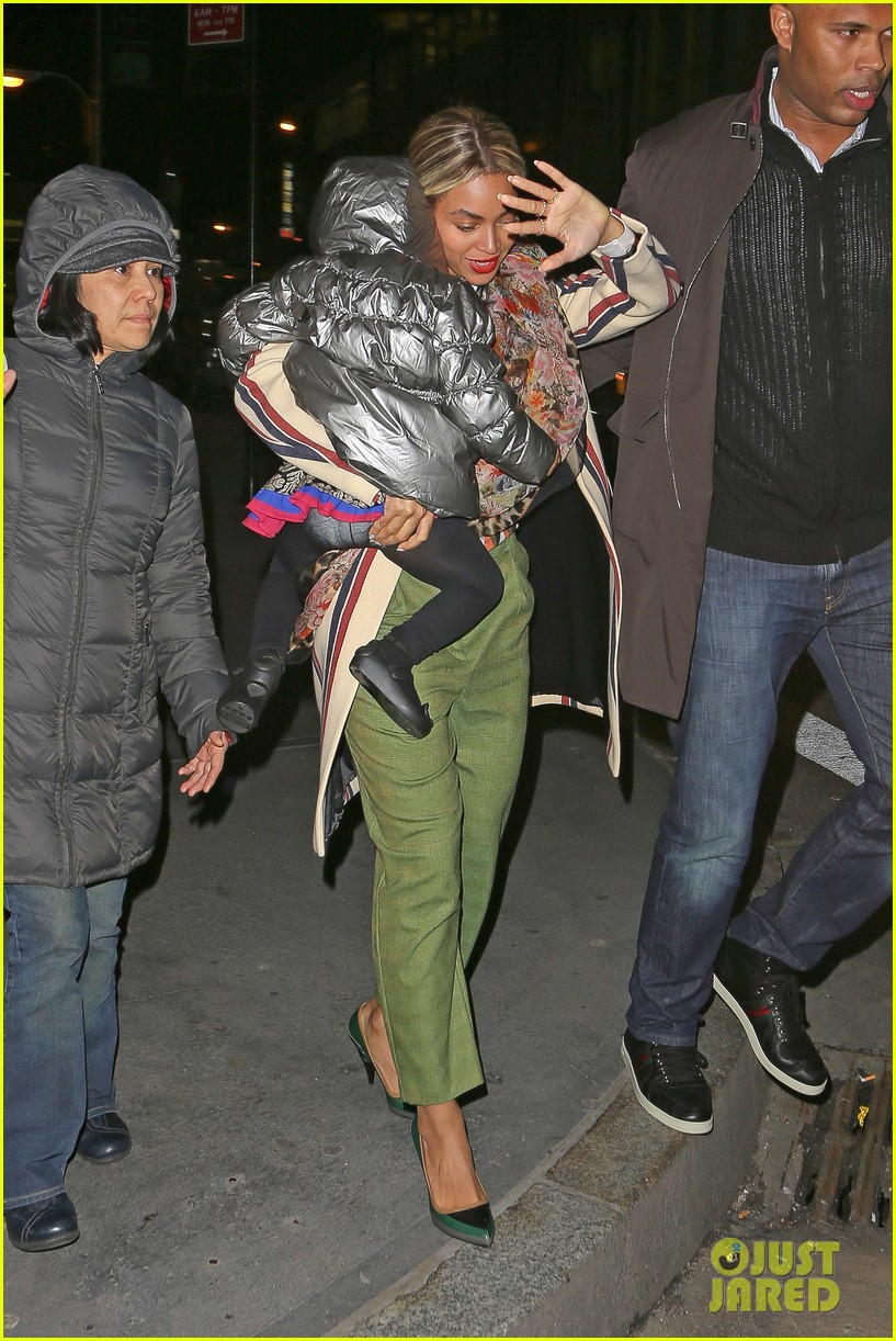 beyonce steps out in the big apple with blue ivy carter 063033235