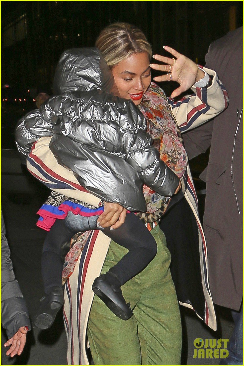 beyonce steps out in the big apple with blue ivy carter 09