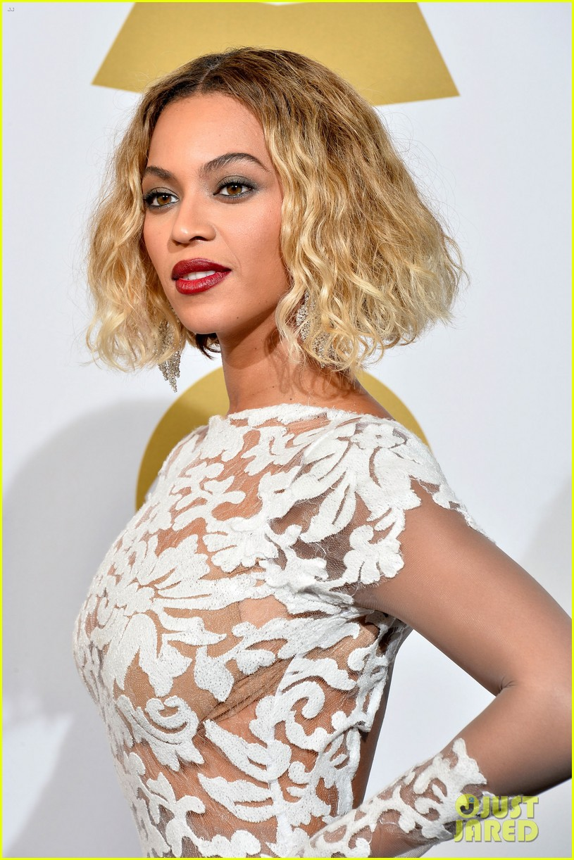 beyonce wears sexy sheer white dress at grammys 2014 103041406