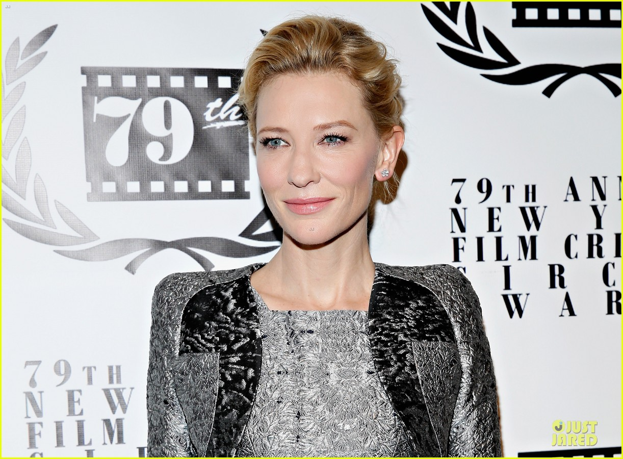 cate blanchett new york film critics circle awards with sally hawkins 02